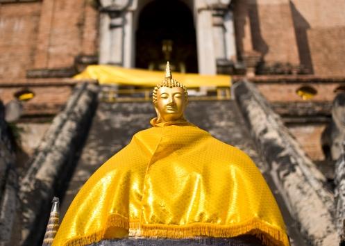 Buddha statue at Wat Chedi Luang