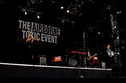 Great live performance of The Airborne Toxic Event